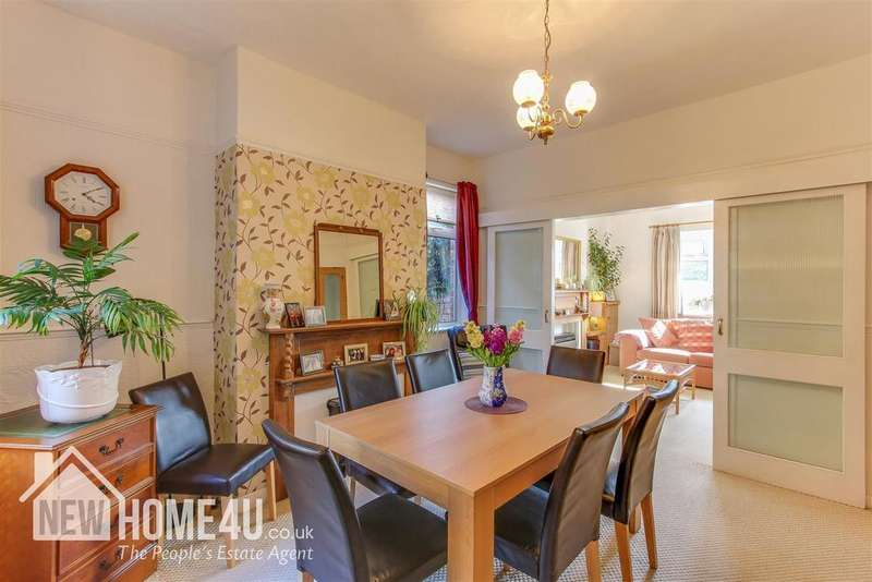 3 Bedrooms Detached House for sale in Broad Street, Rhosllanerchrugog, Wrexham