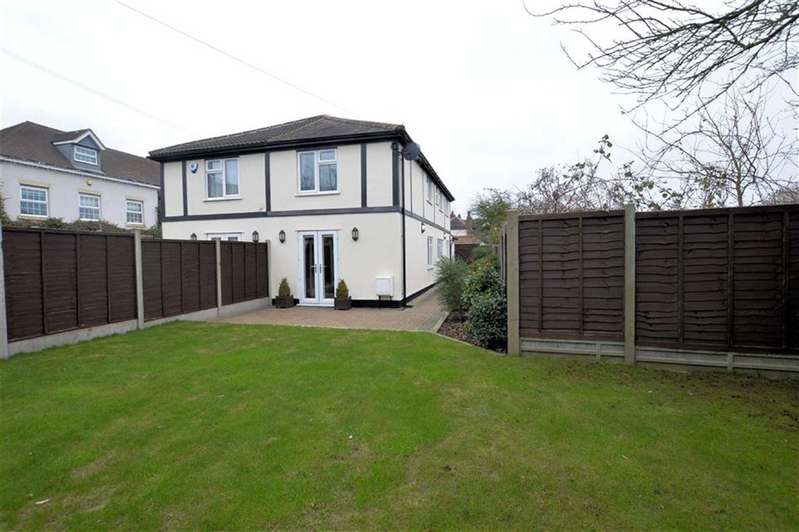 3 Bedrooms Semi Detached House for sale in Woodside Cottages, Thornwood