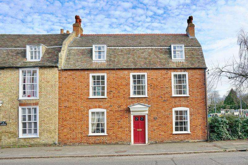 5 Bedrooms Unique Property for sale in Post Street, Godmanchester, Huntingdon.
