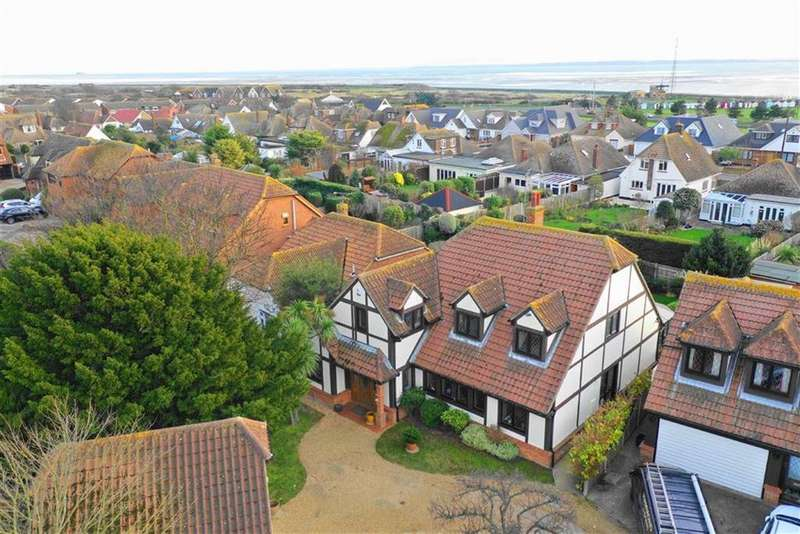 4 Bedrooms Detached House for sale in Noredale, South Shoebury