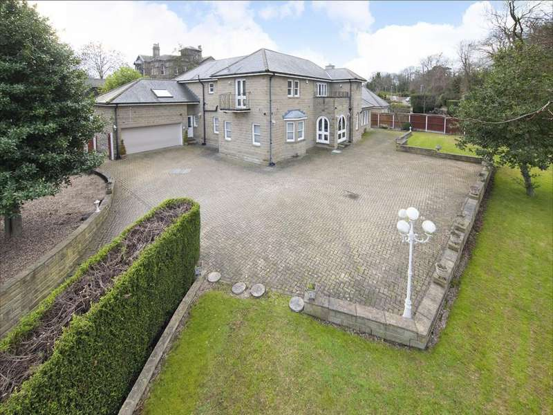 5 Bedrooms Detached House for sale in Uplands View, 12 Heaton Road, Upper Batley