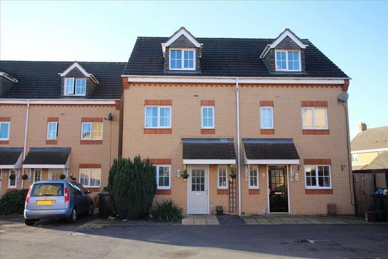 4 Bedrooms Semi Detached House for sale in Brunel Drive, Biggleswade, SG18