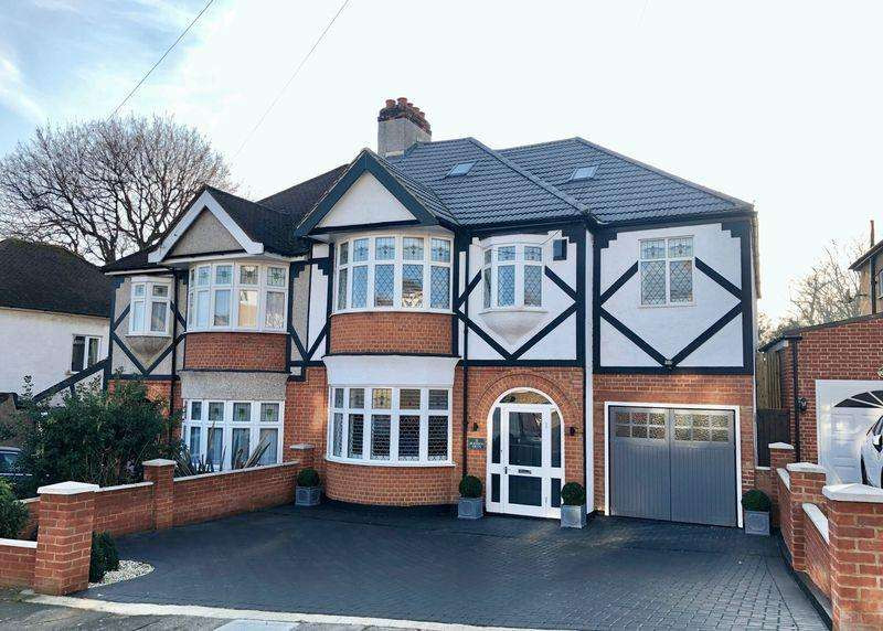 5 Bedrooms Semi Detached House for sale in Blendon Drive, Bexley