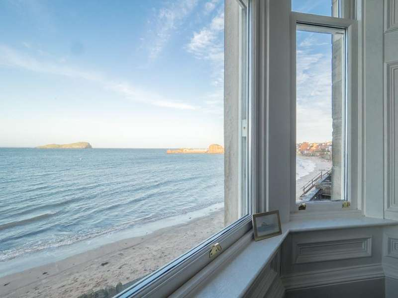 4 Bedrooms Duplex Flat for sale in Forth Street, North Berwick EH39