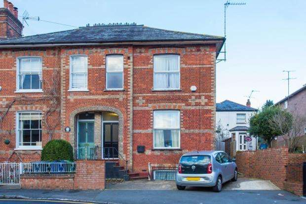9 Bedrooms Semi Detached House for sale in Stuart Road, High Wycombe HP13