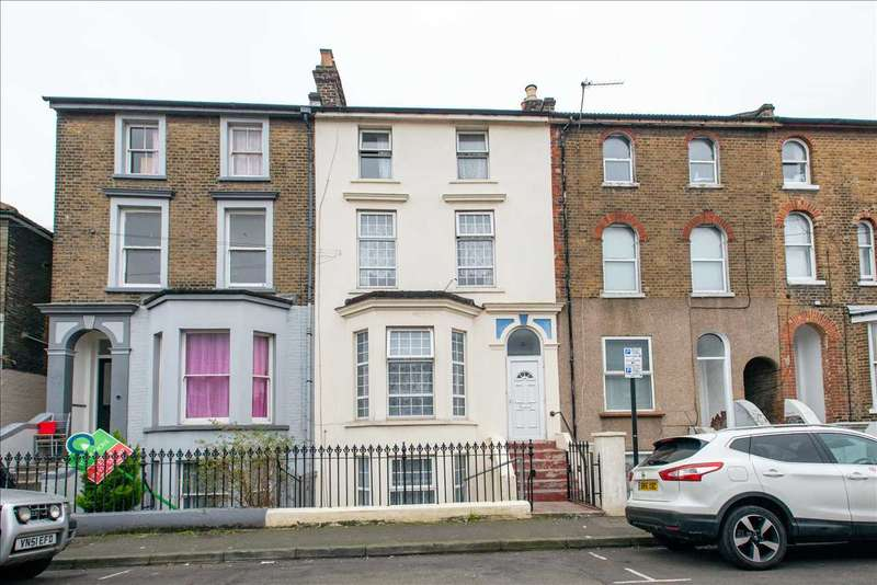 7 Bedrooms Terraced House for sale in Darnley Street, Gravesend
