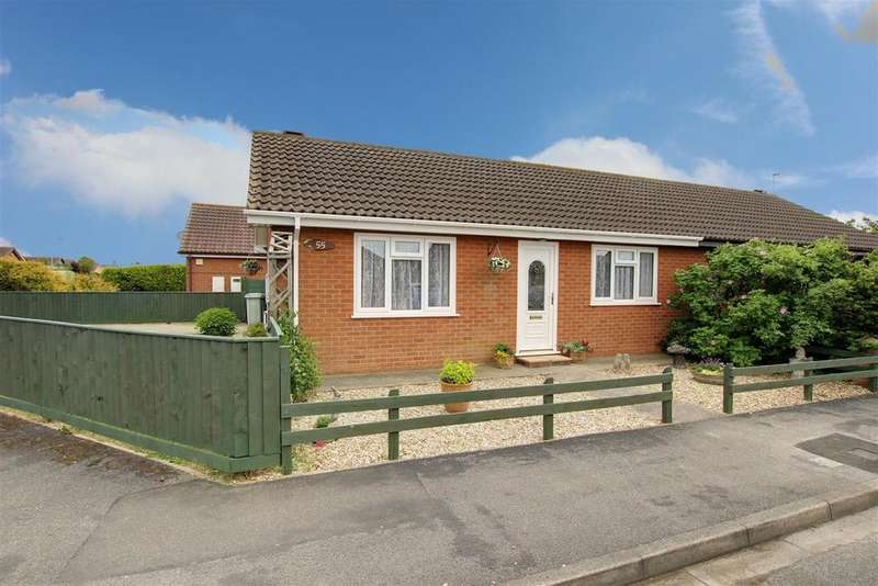 2 Bedrooms Semi Detached Bungalow for sale in Brooke Drive, Mablethorpe