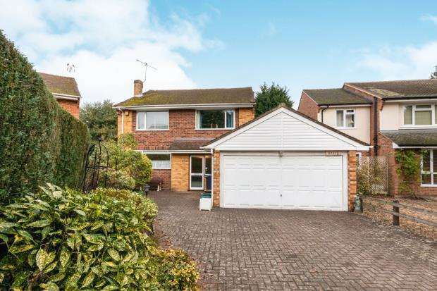 4 Bedrooms Detached House for sale in Lightwater, Surrey, United Kingdom
