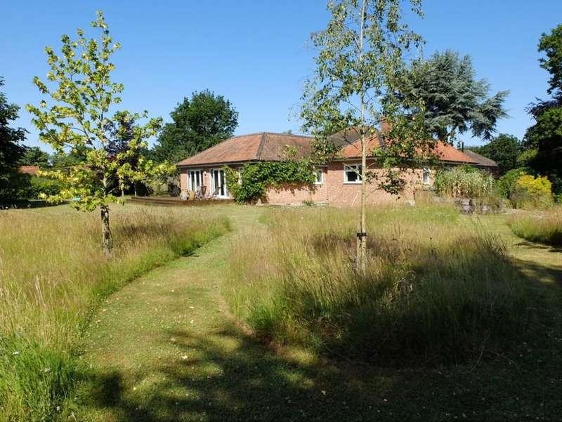 4 Bedrooms Detached Bungalow for sale in Wenhaston