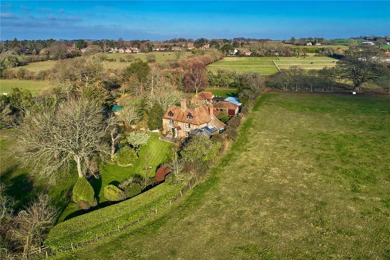 4 Bedrooms Detached House for sale in Suetts Lane, Bishop's Waltham, Hampshire