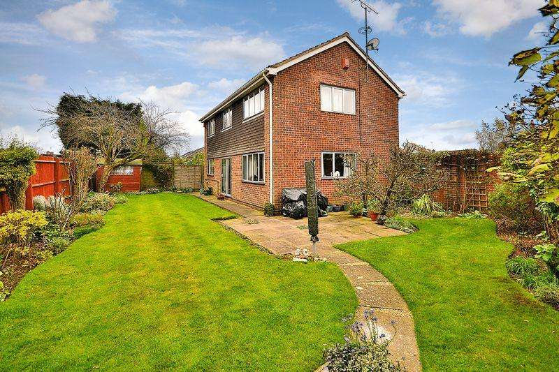 4 Bedrooms Detached House for sale in Offers welcome for a quick sale - Large family home with potential...
