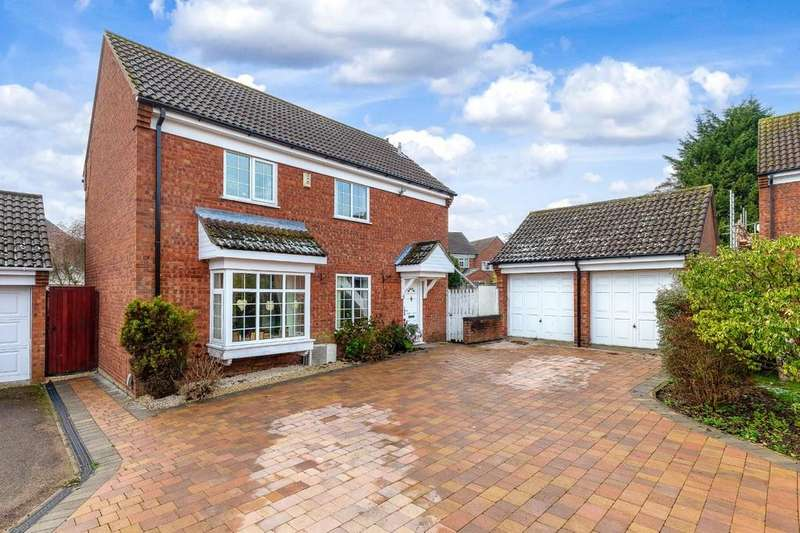 4 Bedrooms Detached House for sale in Devon Close, St. Ives