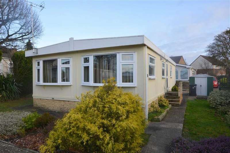 2 Bedrooms Mobile Home for sale in Woodlands Park Quedgeley