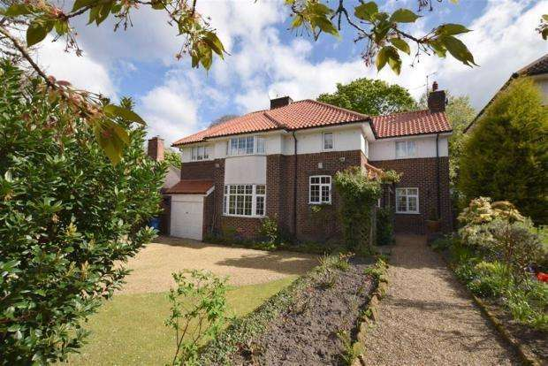 5 Bedrooms Detached House for sale in Hartley Road, Altrincham, WA14
