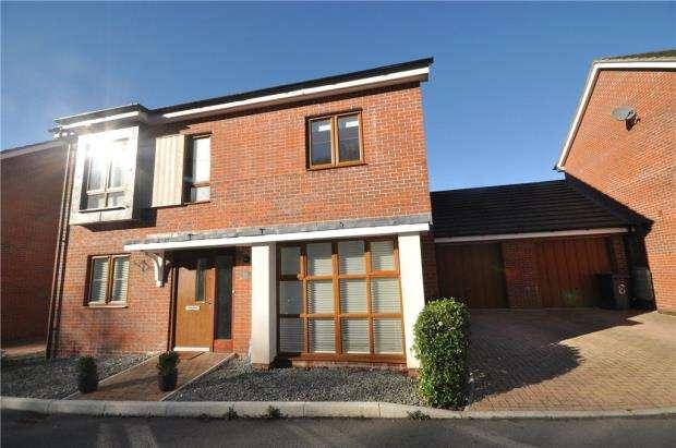 4 Bedrooms Detached House for sale in Sheepwash Court, Basingstoke, Hampshire