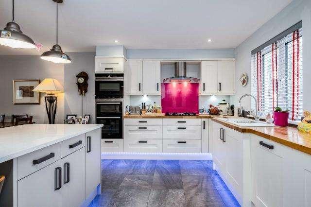 4 Bedrooms House for sale in 29 Bradfords Quay, Wadebridge, Wadebridge