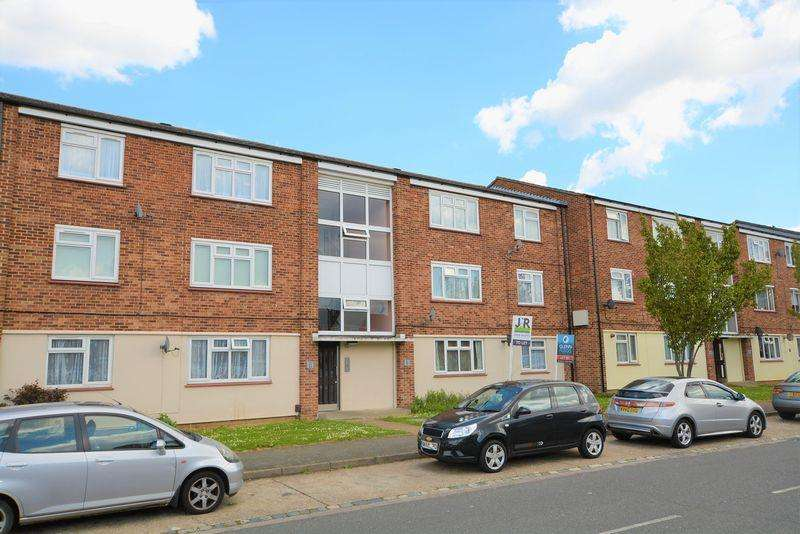2 Bedrooms Apartment Flat for sale in Weekes Drive, Slough