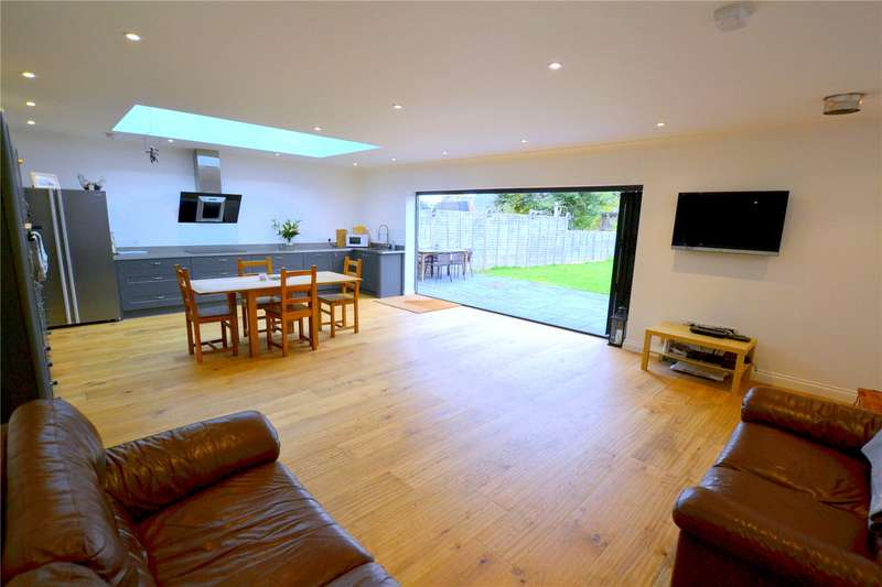 5 Bedrooms Detached House for sale in Link Road, Ringwood, Hampshire, BH24