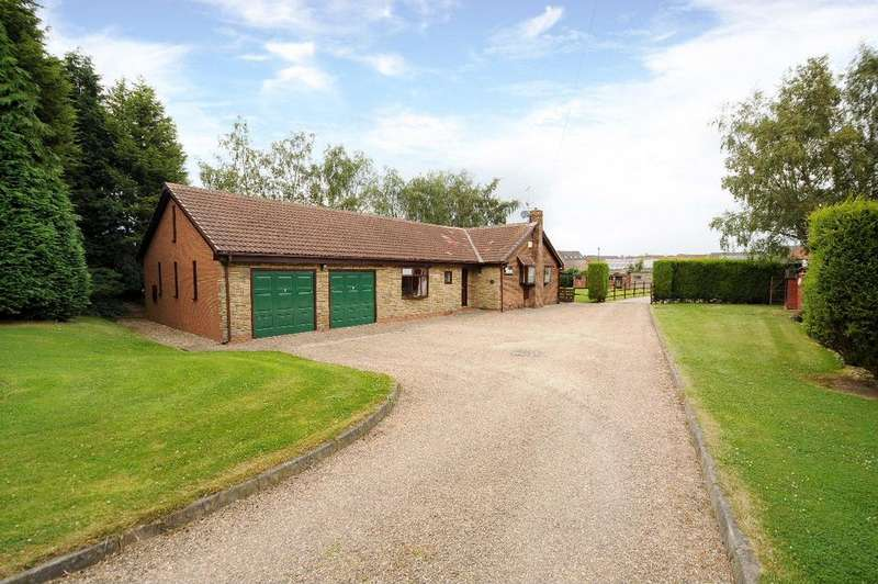 3 Bedrooms Detached Bungalow for sale in Shafton SOUTH YORKSHIRE