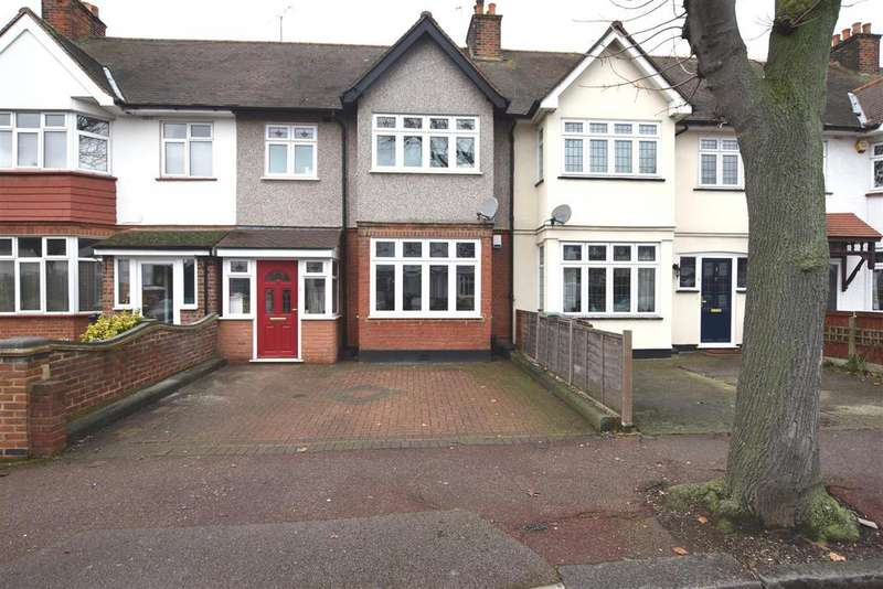 3 Bedrooms Terraced House for sale in Ashton Gardens, Chadwell Heath, Romford