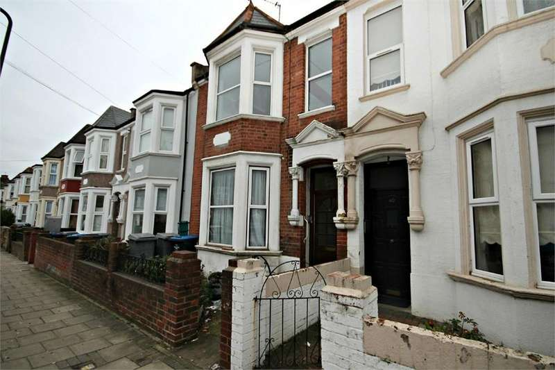 4 Bedrooms Terraced House for sale in Howard Road, Cricklewood, LONDON