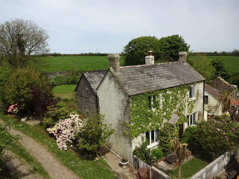 4 Bedrooms Detached House for sale in Higher Scarsick Farm, Treneglos