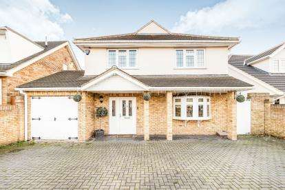 5 Bedrooms Detached House for sale in Rainham