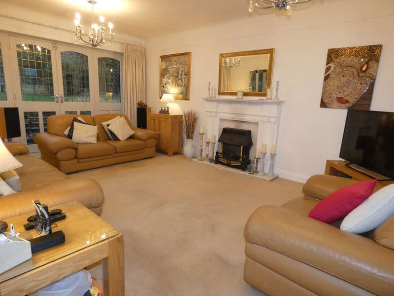 3 Bedrooms Bungalow for sale in Glenrose Road, Liverpool, Merseyside, L25
