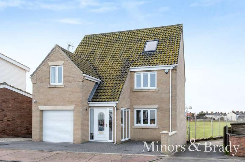 4 Bedrooms Detached House for sale in North Drive, Great Yarmouth