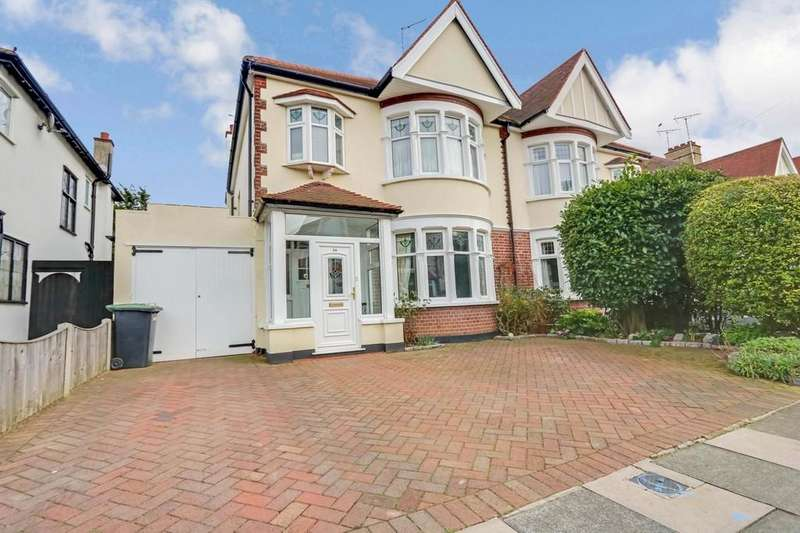 4 Bedrooms Semi Detached House for sale in Walk to the Station! Sackville Road
