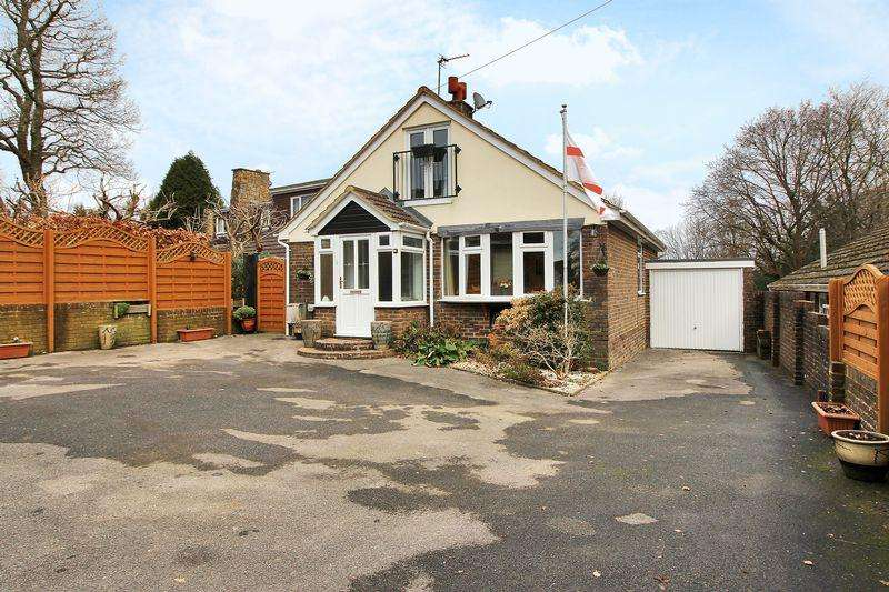 3 Bedrooms Bungalow for sale in Mount Pleasant, Crowborough, East Sussex