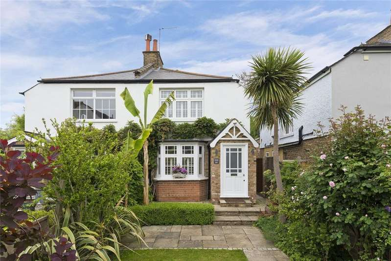 3 Bedrooms Semi Detached House for sale in Summer Road, East Molesey, Surrey, KT8