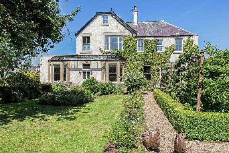 5 Bedrooms Detached House for sale in Cairnbury House, 10 Edinburgh Road, Biggar
