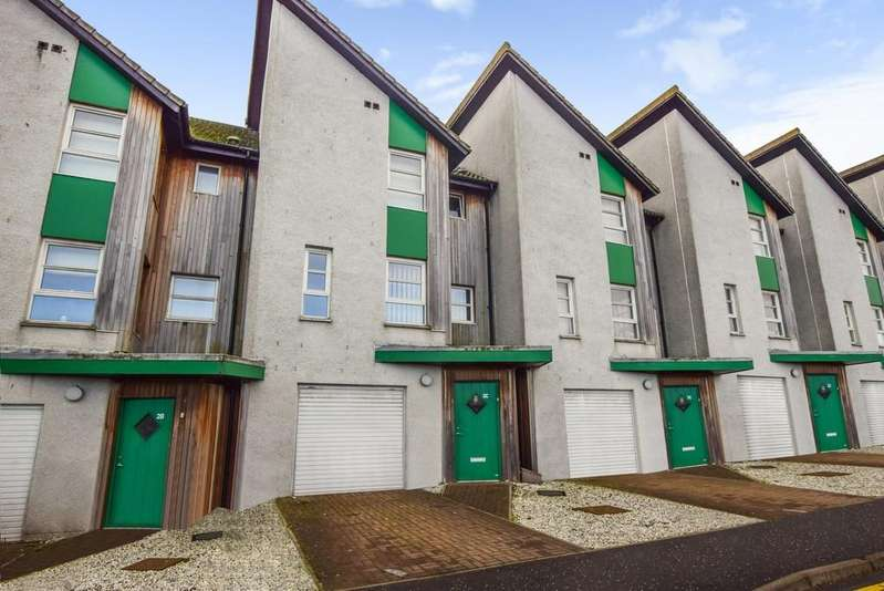 4 Bedrooms Town House for sale in Larch Street, Dundee