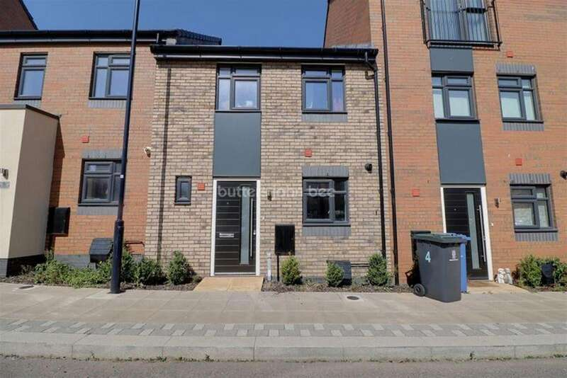 3 Bedrooms Terraced House for sale in Norville Drive, Hanley