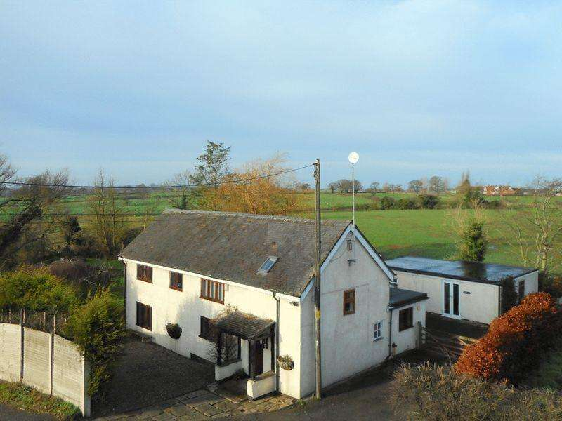 4 Bedrooms Detached House for sale in Middlewich Road, Leighton