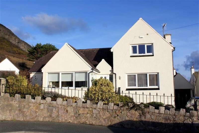 3 Bedrooms Detached Bungalow for sale in Abbey Place, West Shore, Llandudno, Conwy