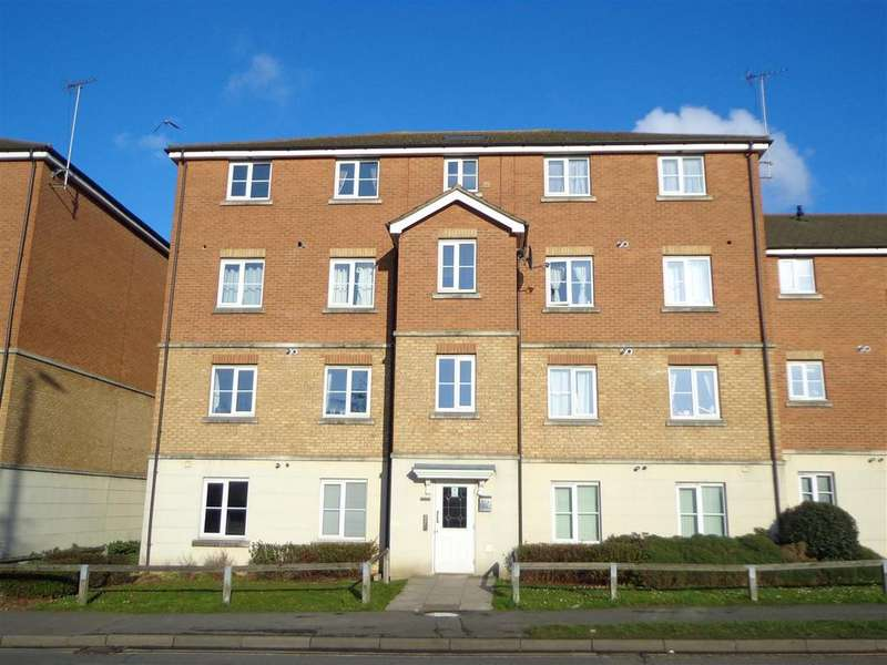 2 Bedrooms Flat for sale in St. Lukes Court, Hatfield