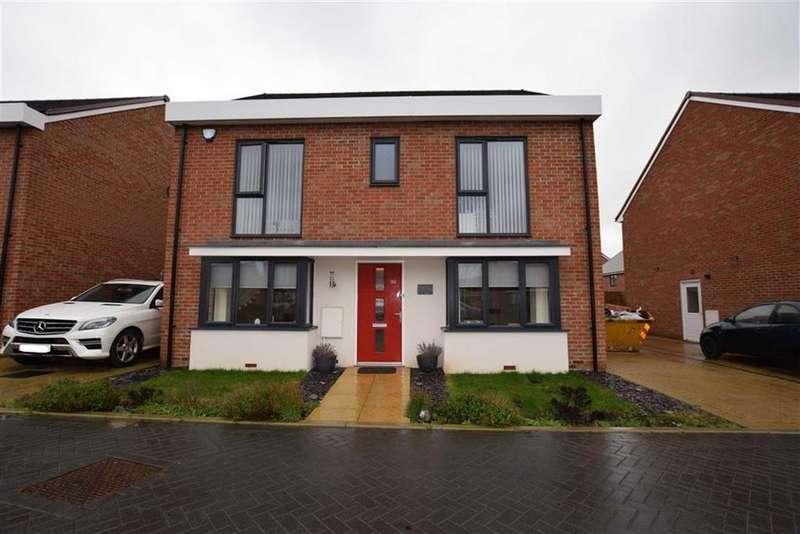 5 Bedrooms Detached House for sale in Sanderling Close, East Tilbury, Essex