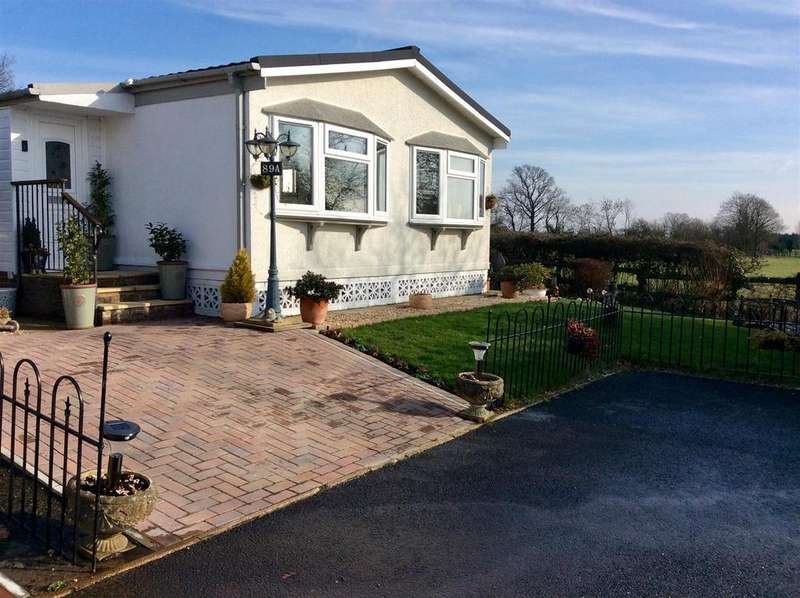 2 Bedrooms Park Home Mobile Home for sale in Mill Road, Hailsham