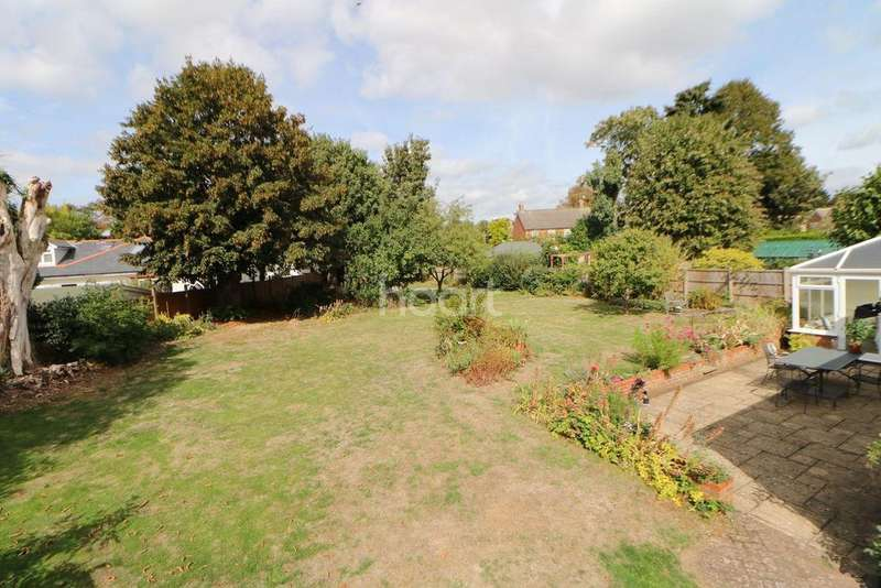 4 Bedrooms Bungalow for sale in Silver Close, Maidenhead