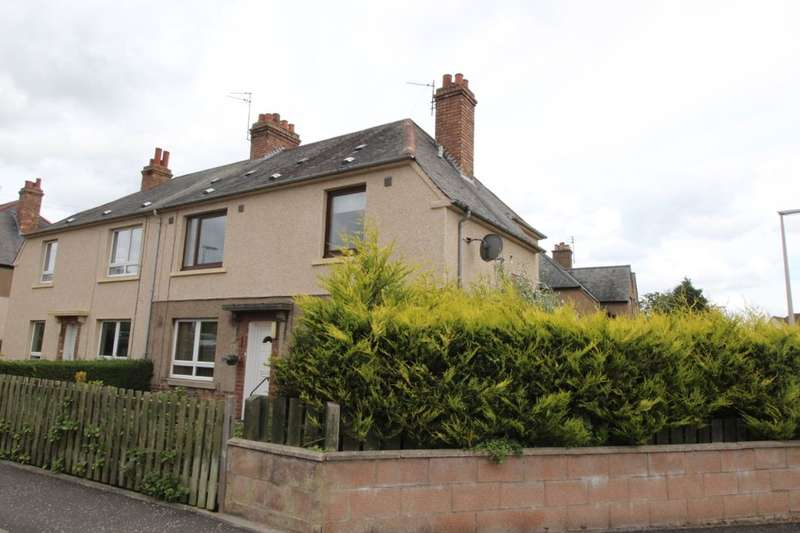 3 Bedrooms Flat for sale in Norman View, Leuchars, St. Andrews, KY16