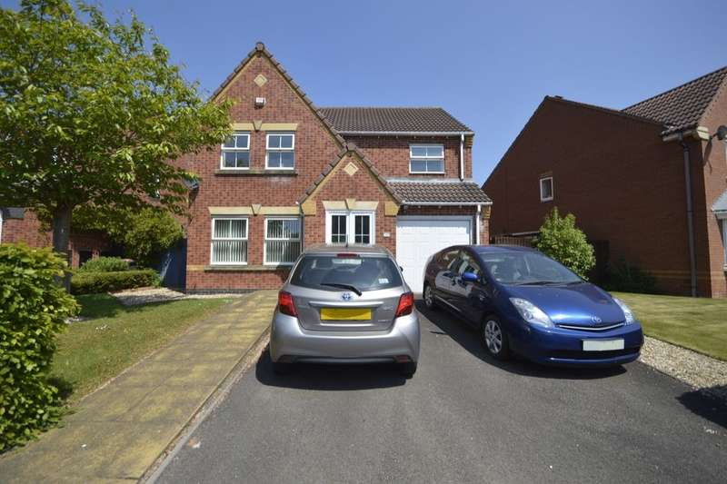 4 Bedrooms Detached House for sale in Arundel Close, Randlay, Telford, TF3