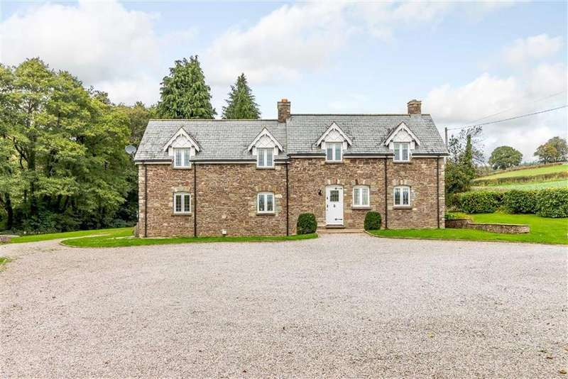 4 Bedrooms Detached House for sale in Hendrew Lane, Llandevaud, Newport