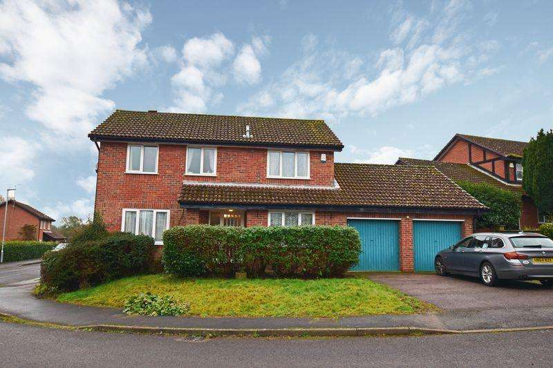4 Bedrooms Detached House for sale in Tainters Brook, Uckfield, TN22
