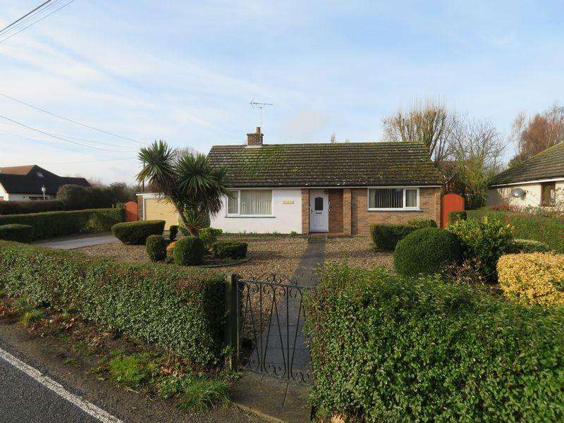 2 Bedrooms Detached Bungalow for sale in Peldon Road, Abberton