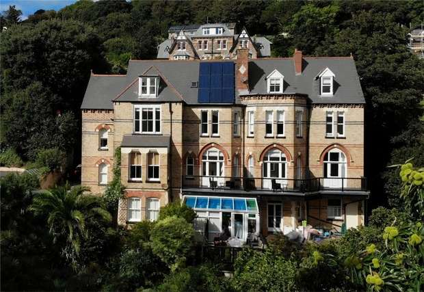 13 Bedrooms Commercial Property for sale in ILFRACOMBE, Devon