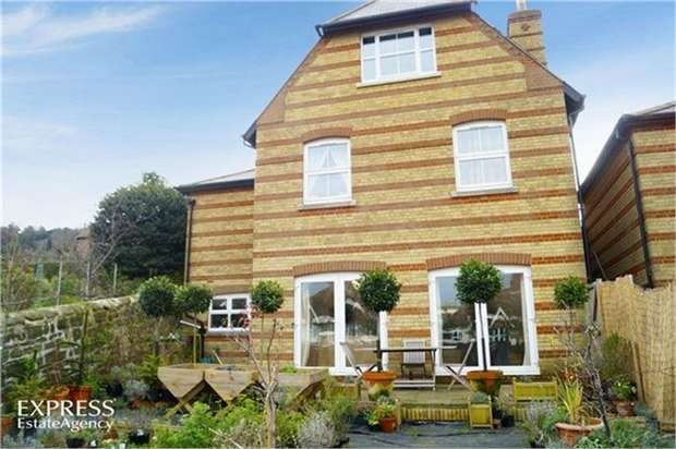 5 Bedrooms Detached House for sale in Barley Lane, Hastings, East Sussex