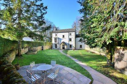5 Bedrooms Detached House for sale in Macclesfield Road, Buxton, Derbyshire