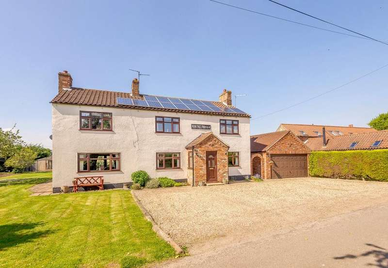 5 Bedrooms Detached House for sale in Pear Tree Farm, Occupation Lane, Broadholme, Lincoln, LN1